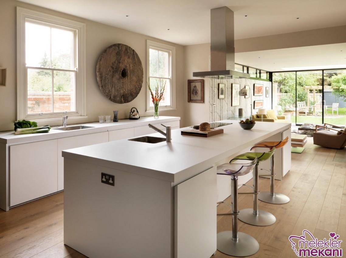 Farklı mutfak bar tabure ve tezgahları mutfak dekorasyonlarınızı estetikleştirebilirsiniz.