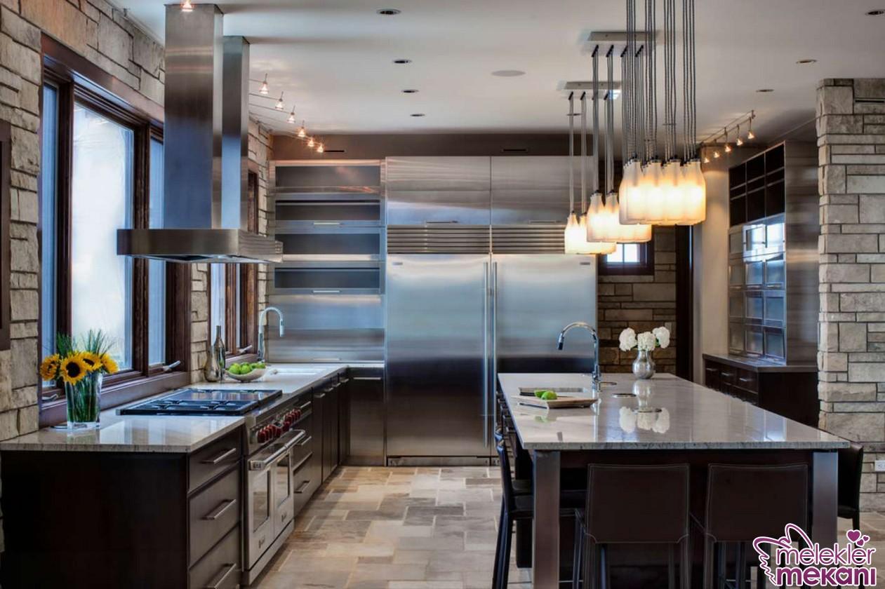 Mutfak masalarını aydınlatıcı aydınlartma modelleri ile aydınlık bir mutfak dekorasyonuna sahip olabilirsiniz.