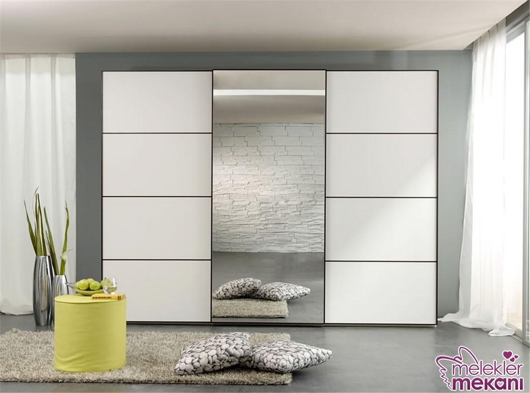 Son moda beyaz modern-gardrop modeli seçimi ile yatak odalarınızı estetikselleştirebilirsiniz.