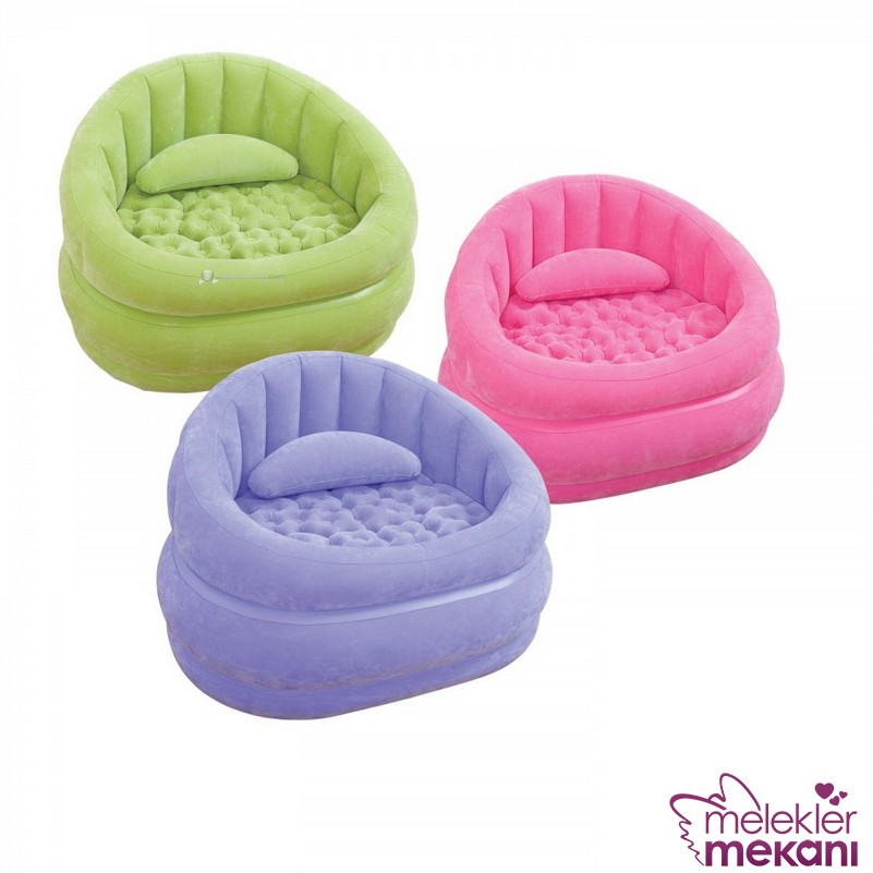 Çocuk odası renkli puf koltuk modelleri ile çocuklarınız arkadaşları için alternatif oturma alanları sunabilir.
