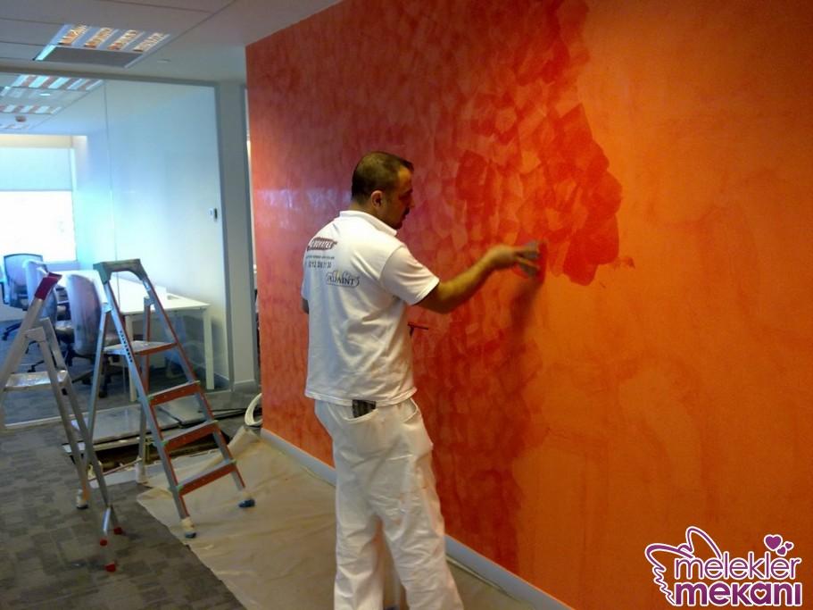 İtalyan boya tercihinde sarı turuncu gibi sıcak renklerle sıcak ortam oluşturabilirsiniz.