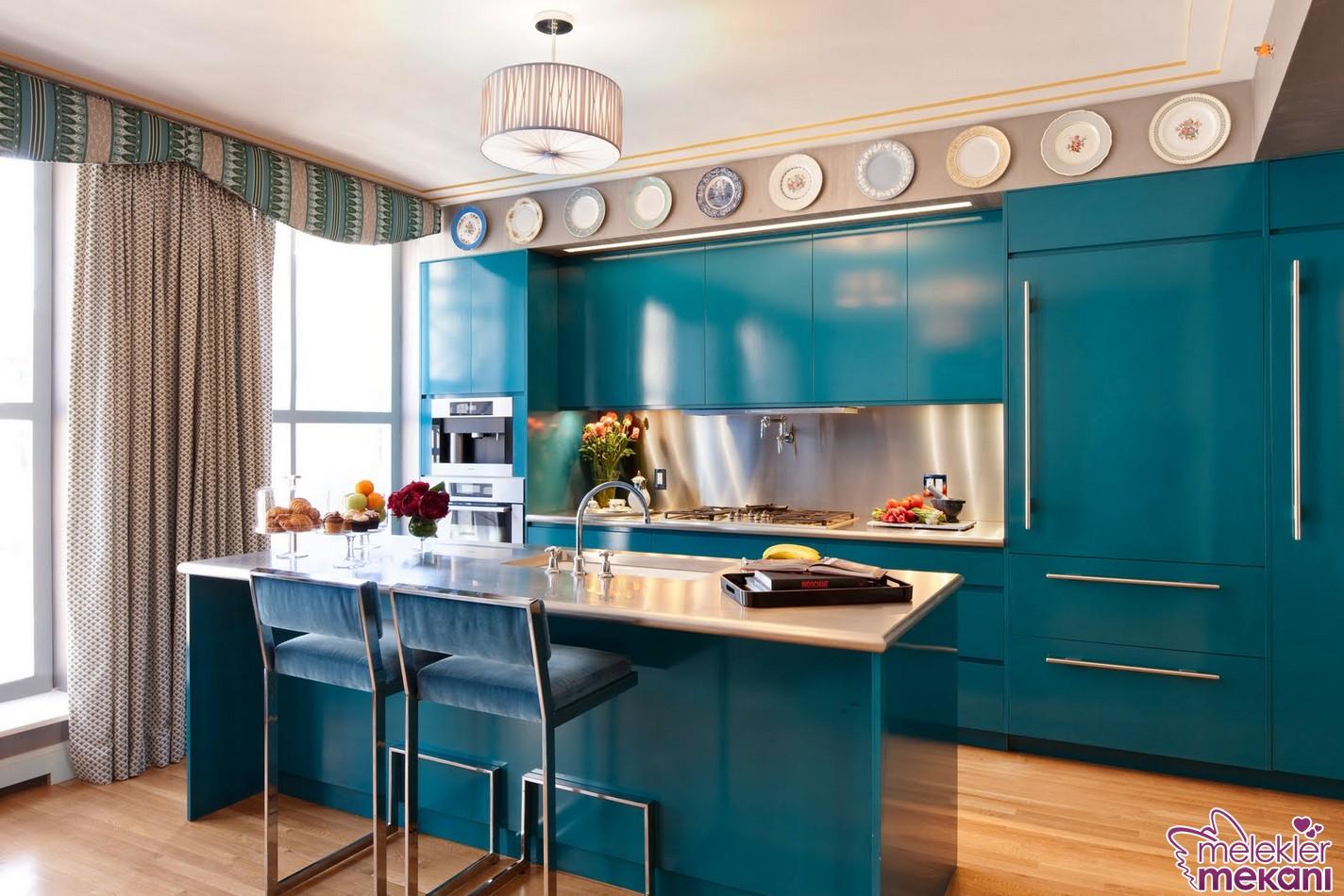 2016 sezonu ada mutfak modelleri seçiminizde turkuaz rengi mutfağınıza davet edebilirsiniz.