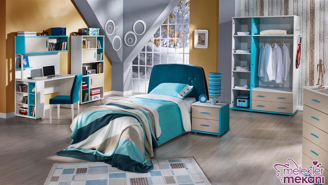 Çilek florin genç odası modeli ile huzur dolu bir genç odası dekore edebilirsiniz.