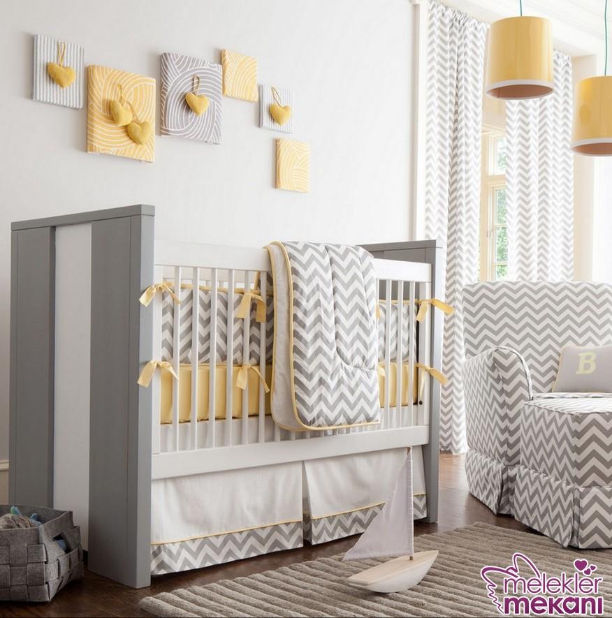 Sade ve modern bebek odası dekorasyonu için fonksiyonel bebek odası takımlarından faydalanabilirsiniz.