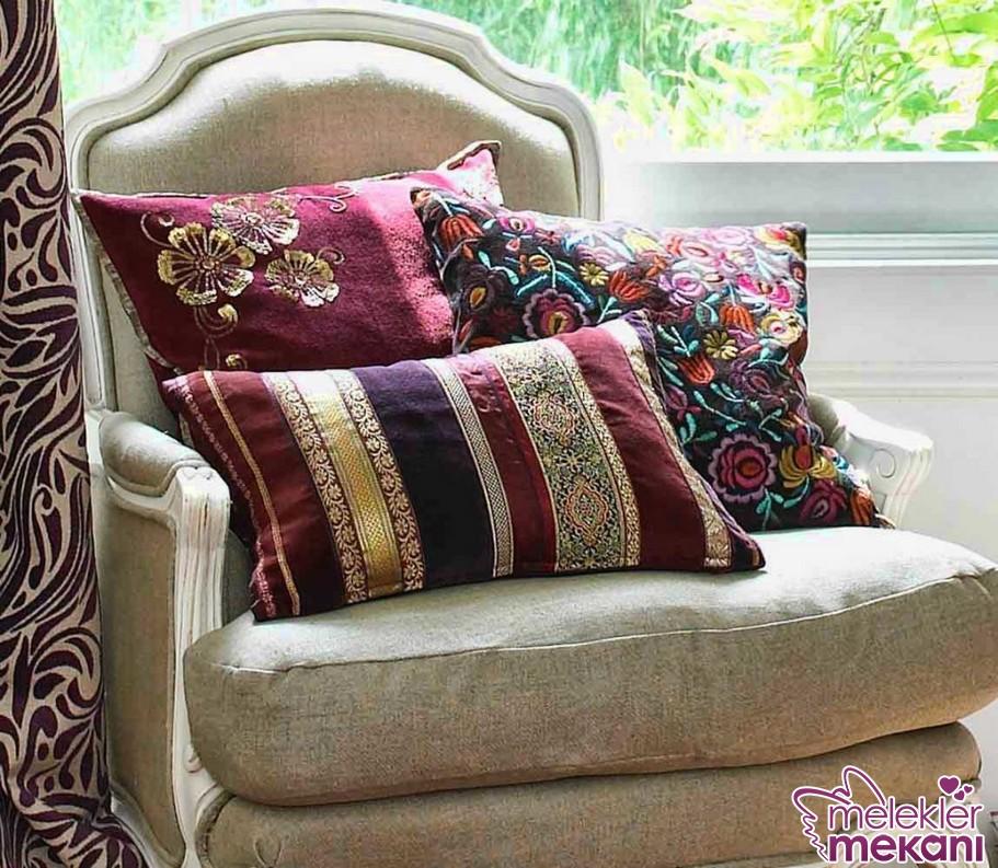 Renkli dekoratif yastıklar ile s,her odanızda estetik dokunuşlar yakalama fırsatı elde edebilirsiniz.
