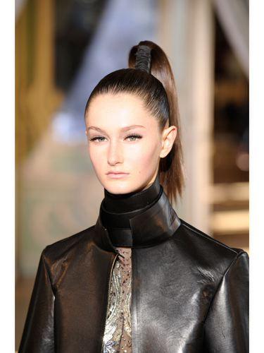 2012-At-Kuyruğu-Saç-Modelleri-14.jpg