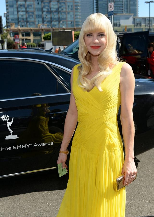 65.-Emmy-Ödülleri-Kırmızı-Halı-Saçlar-10.jpg
