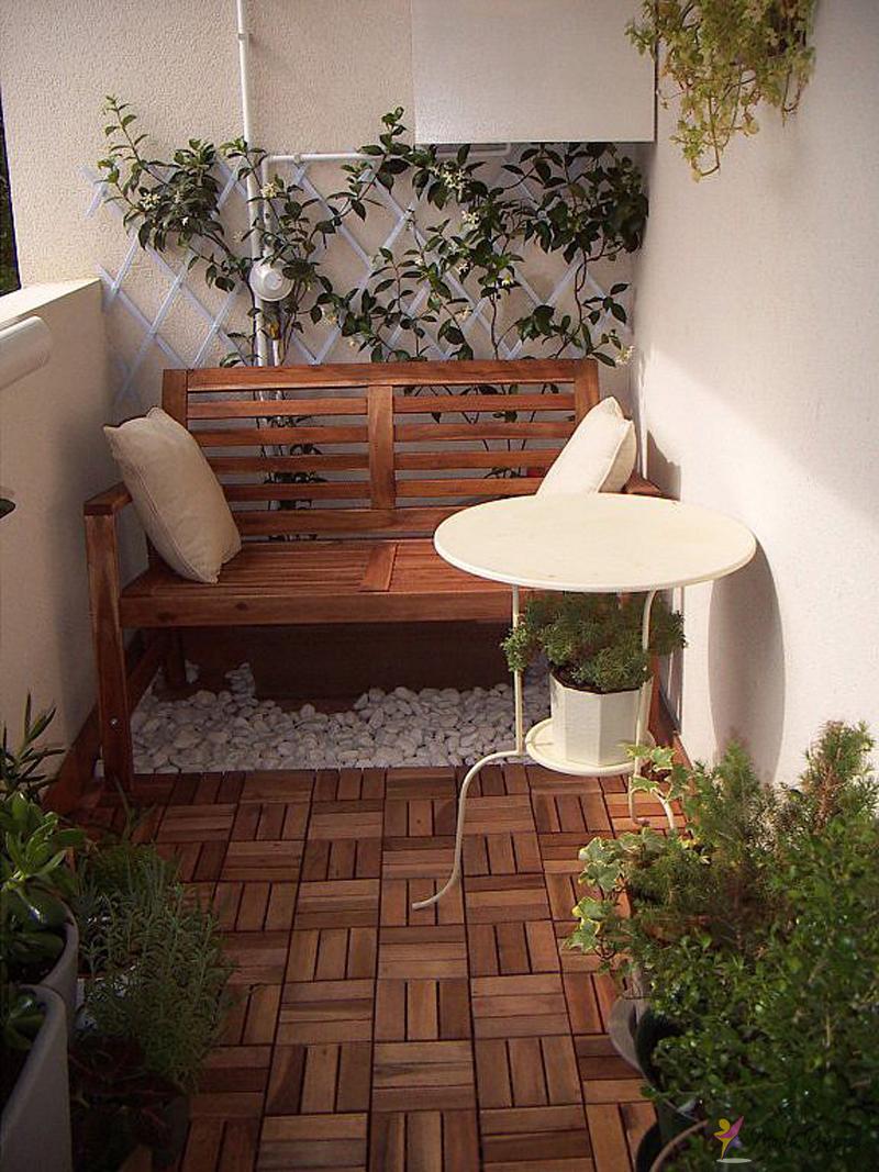 Ahşap-Modern-balkon-dekorasyonu.jpg