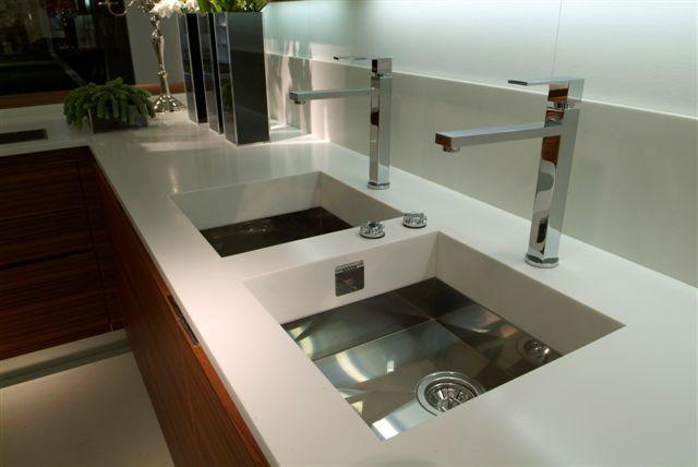 Akrilik-Mutfak-Tezgahı-Dekorasyonu.jpg