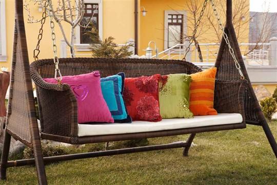 Bahçe-Dekorasyonu-İçin-En-Güzel-Salıncak-Modelleri.jpg