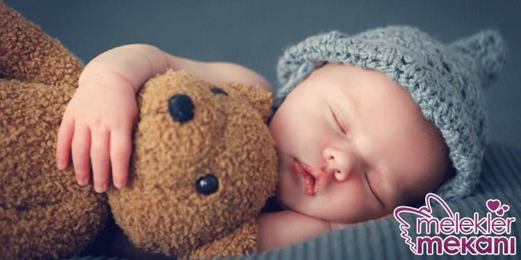 bebeklerin uykuda kahkaha atma.jpg