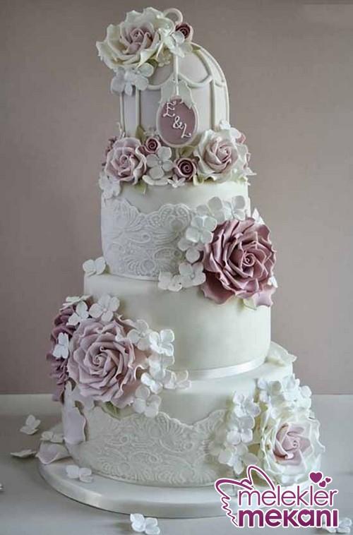 Beyaz-Ve-Pembe-Güllü-Düğün-Pasta-Modeli.JPG
