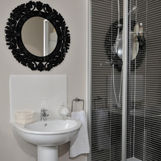 Black-and-White-Bathroom-Style-at-Home-Housetohome (1).jpg