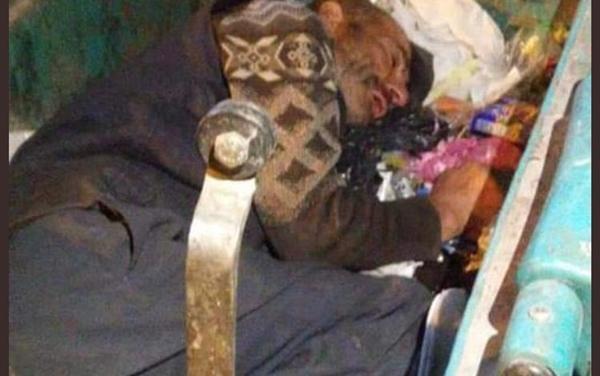 çöp konteynırında uyuyan adam gaziantep.jpg