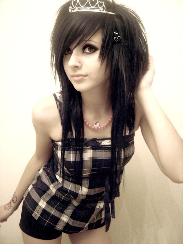 Cute-and-pretty-emo-girl.jpg