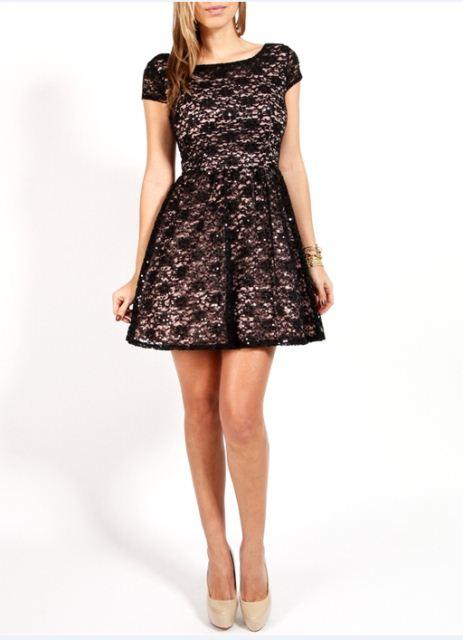 dantel-elbise-altina-nasil-corap-giyilir-jpg.63536 Siyah Dantelli Elbisenin Altına Nasıl Ayakkabı Giyilir? Melekler Mekanı Forum