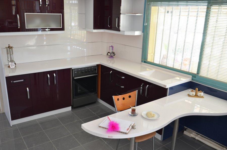 Estetik-Akrilik-Mutfak-Tazgah-Tasarımı.jpg