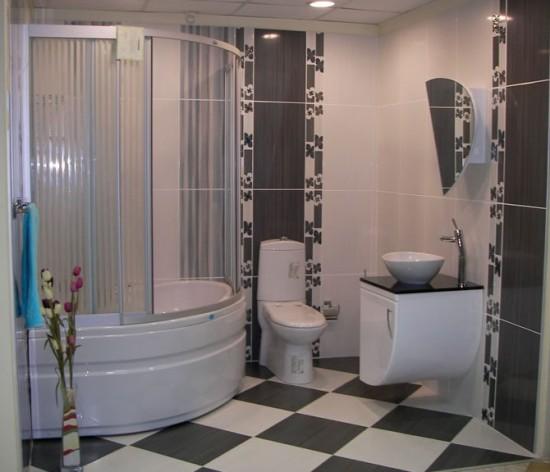 Gri-krem-çiçek-bordürlü-banyo-fayans-modeli-550x472.jpg