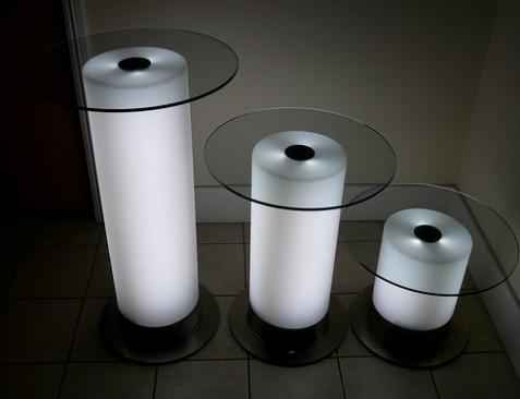 ışıklı-modern-cam-sehpa-tasarımları.jpg