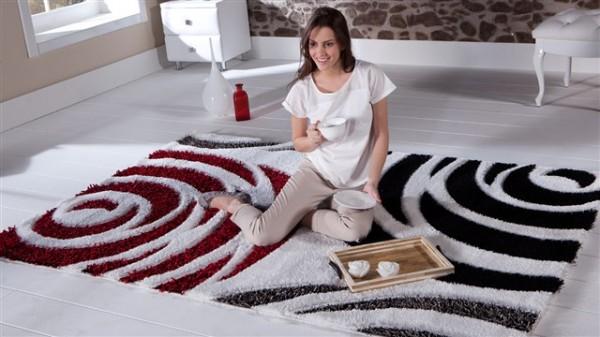 istikbal-mobilya-modern-kırmızı-beyaz-ve-siyah-renklerle-halı-modeli-600x337.jpg