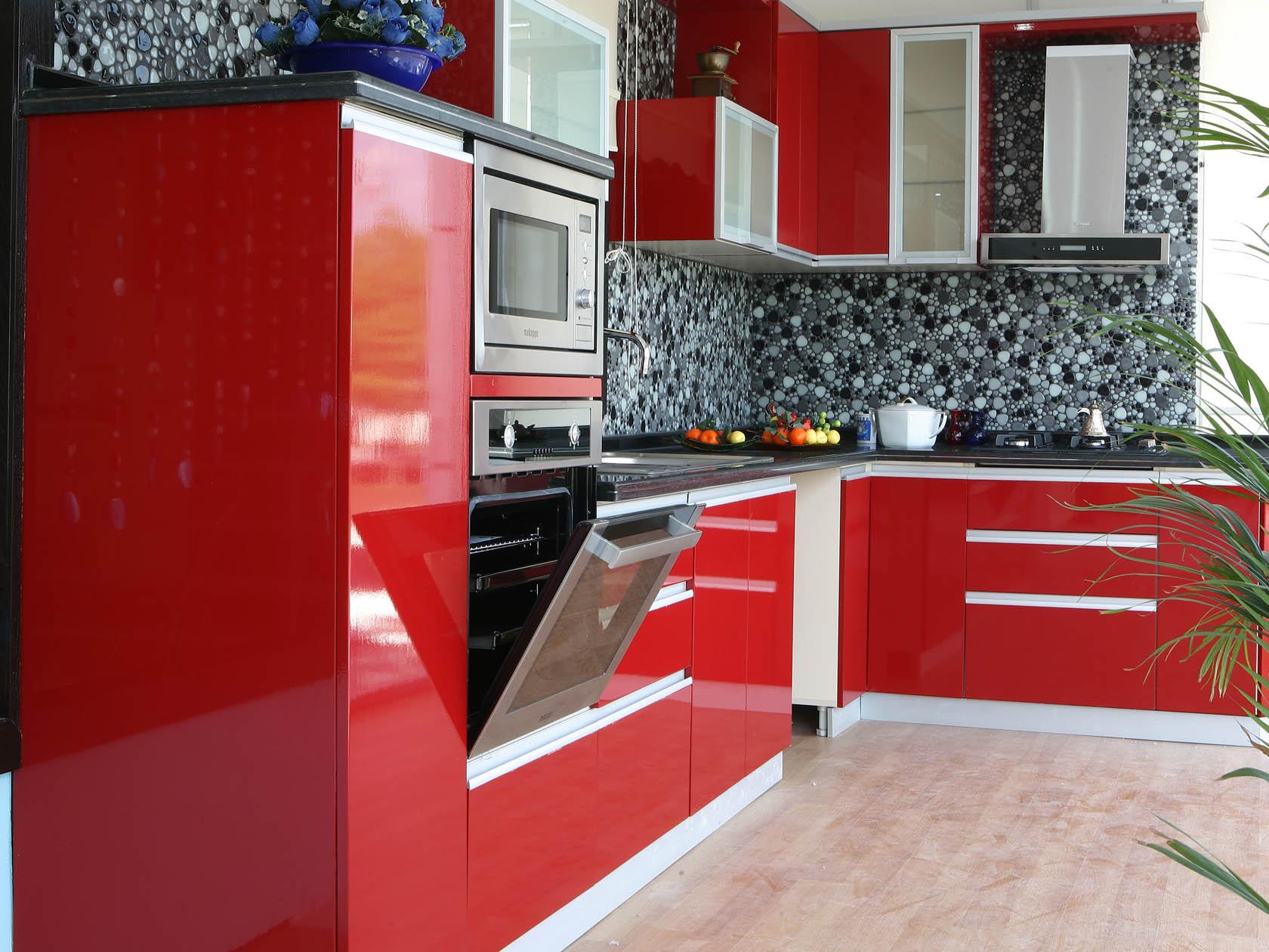 kırmızı-mutfaklar.jpg