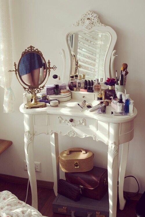 Makyaj-Masası-Şifonyer-Üstü-Tuvalet-Masası-Düzenleme-Makeup-Table-Organizer-5.jpg