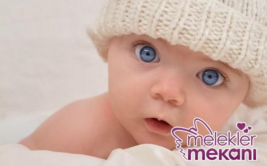 mavi-gözlü-yakışıklı-erkek-bebek-fotoğrafı.JPG