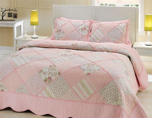 Pembe-patchwork-çok-şirin-taç-yatak-örtüsü-modeli.jpg
