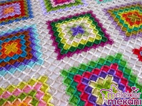 rengarenk-motifli-tig-isinden-battaniye-jpg.67479 Tığ İşi Örgü Battaniye Modelleri Renk Renk İşlemeli Melekler Mekanı Forum