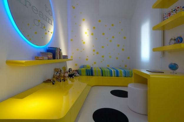 sarı-mavi-beyaz-oturma-odası.jpg