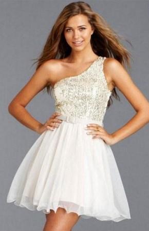 tek omuz beyaz elbise (8).jpg