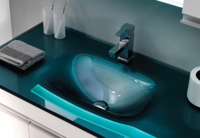 turkuaz-renkli-banyo-için-cam-lavabo-modelleri.jpg