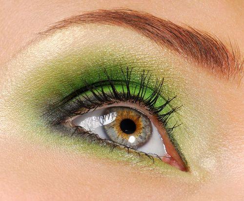 yeşil-göz-makyajı (4).jpg