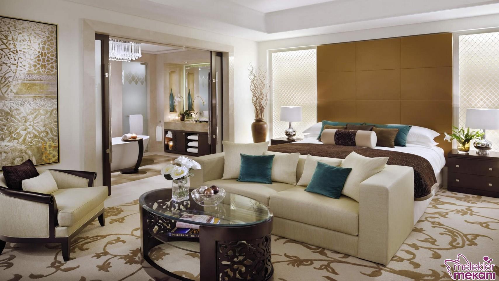 Şık yatak odası dekorasyonlarını modern mobilya modelleri ile gerçekleştirebilirsiniz.