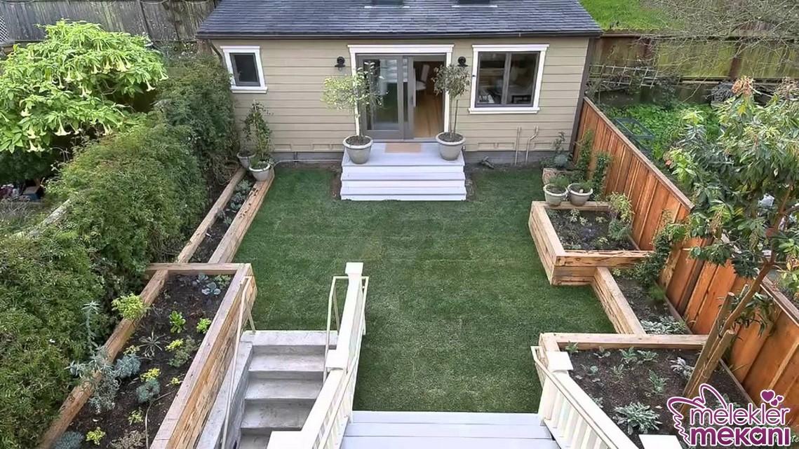 Küçük bahçeler için özel çiçek yetiştirme alanları oluşturabilirsiniz.