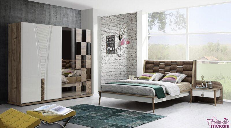 Modern ev dekorasyonunda derin duygular hissettirici çizgilere sahip yatak odası takımlarından faydalanabilirsiniz