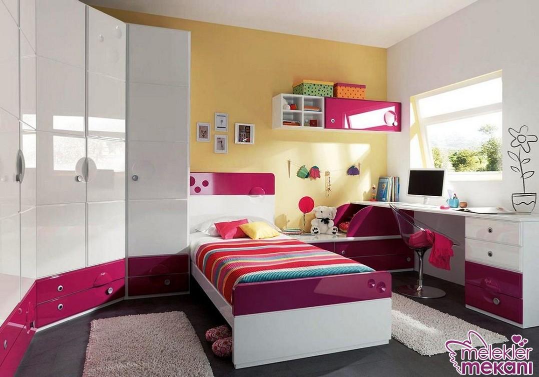 Modern genç odası takımı tercihinde bulunarak genç odası dekorasyonlarınızı yenileyebilirsiniz.