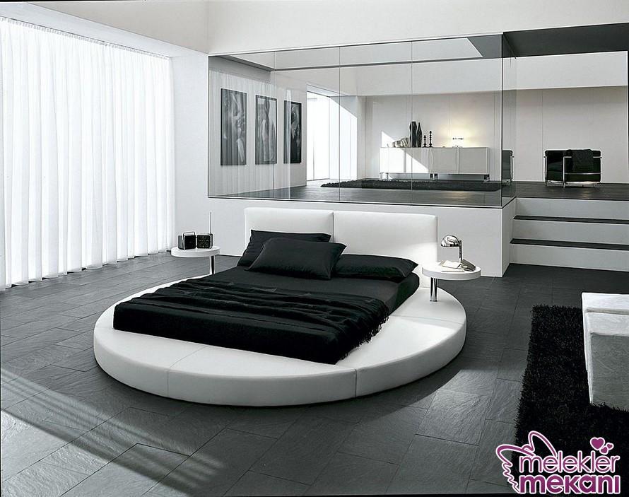 Modern yatak odası dekorasyonu için yuvarlak yatak odası takımlarından faydalanabilirsiniz.