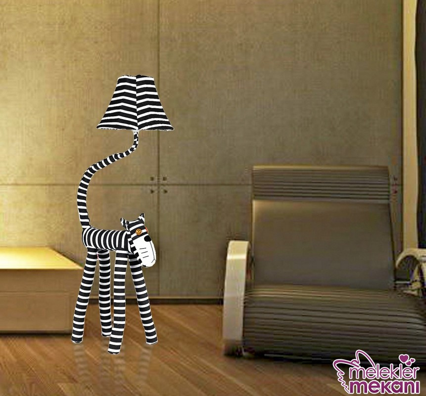 Yeni trend ayaklı lambader modellerine okuma alanlarınızda yer verebilirsiniz.