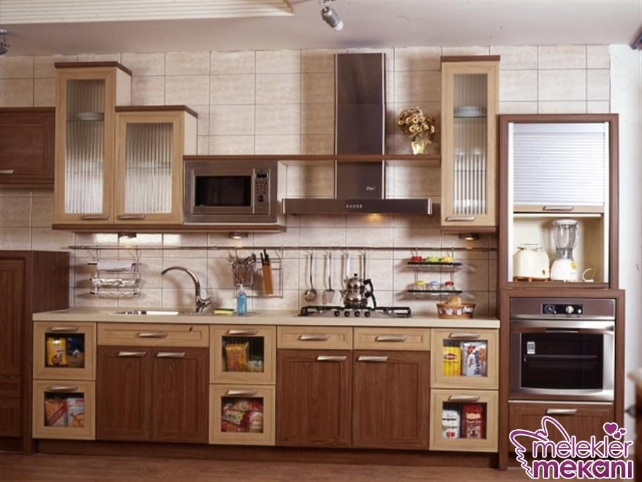 Ahşap mutfak modelleri seçimi ile sade dekorasyonuzda harika çözüm yakalama fırsatı elde edebilirsiniz.