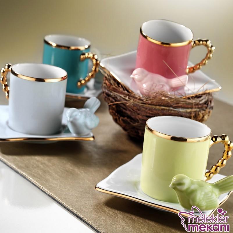 Renkli limagos kuşlu fincan takımı modelleri ile kahve keyiflerinizde dekoratif görünüm yakalayabilirsiniz.