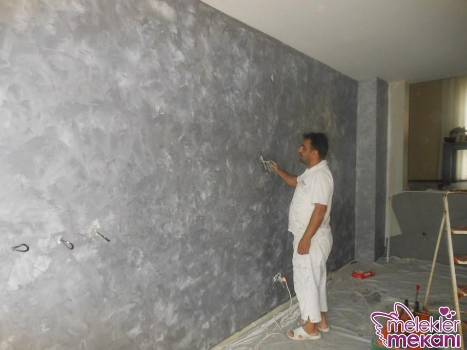 Sade oda dekorasyonu ya da klasik salon dekorasyonunda italyan boyada açık tonları tercih edebilirsiniz.
