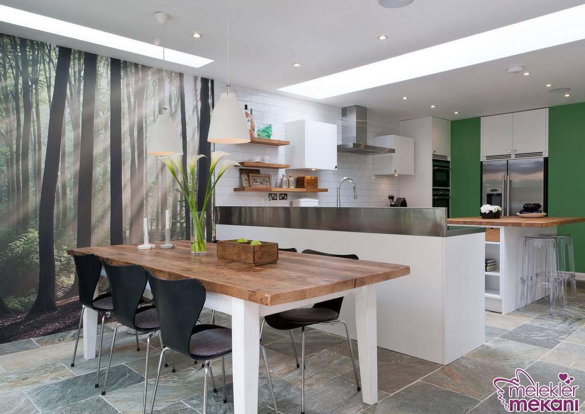 Yeni sezon modern mutfak masası modellerinde farklı renkli mutfak dolapları yol göstericiniz olabilir.
