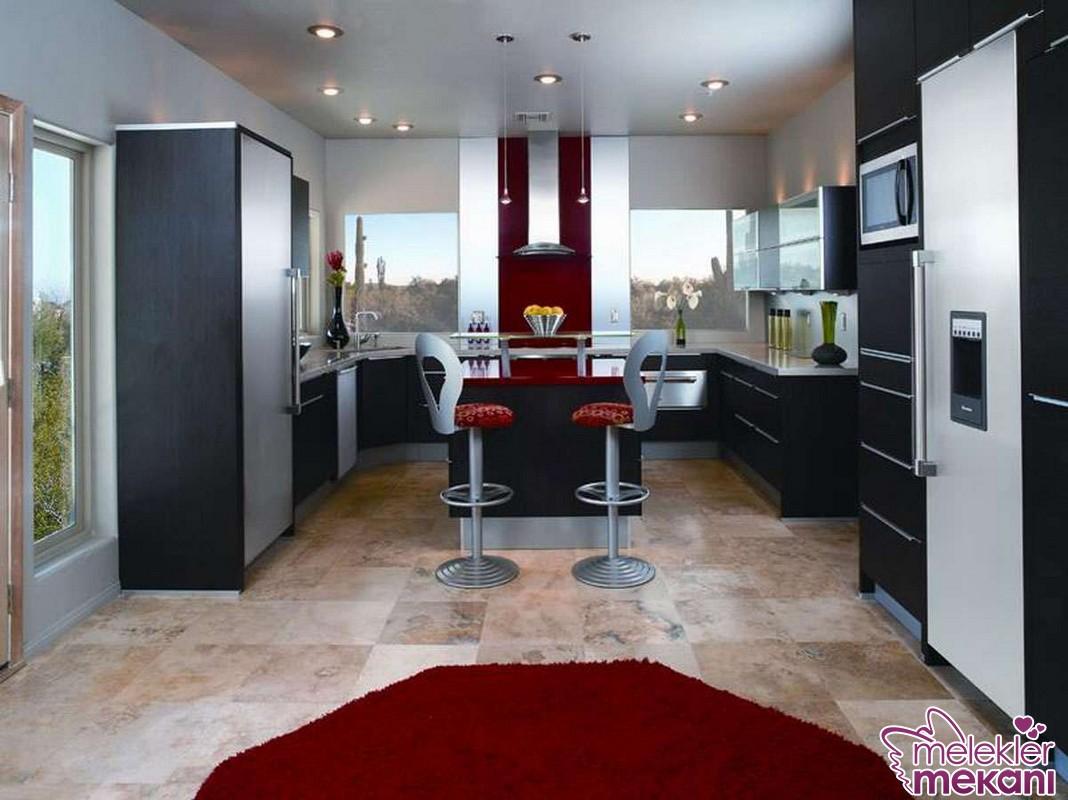 En güzel dar mutfak dekorasyonları ile mutfaklarınızda estetik alan zenginlikleri oluşturabilirsiniz.