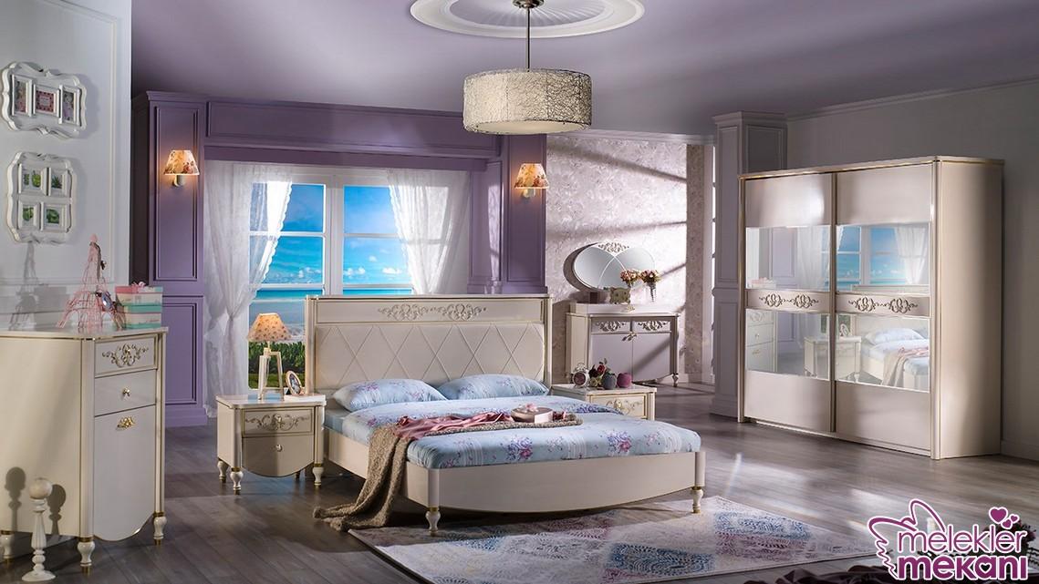 Spor görünümlü yatak odası takımları ile sade görünümlü oda dekoratiflikleri yakalayabilirsiniz.
