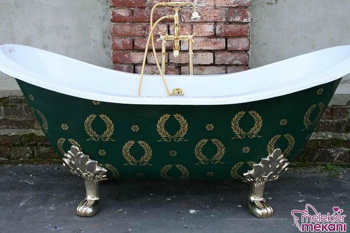 Ayaklı küvet modelleri ile banyolarınızda Osmanlı tarzına yer açabilirsiniz.
