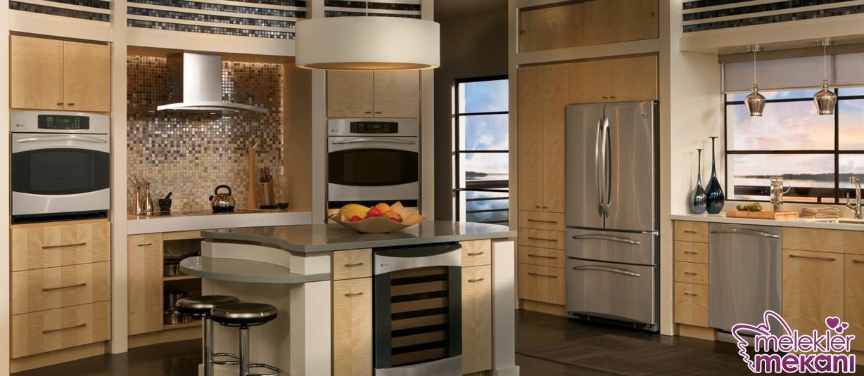 Yeni mutfak dekorasyonu yapılırken ankastre mutfak dolabı modellerinden faydalanabilirsiniz.