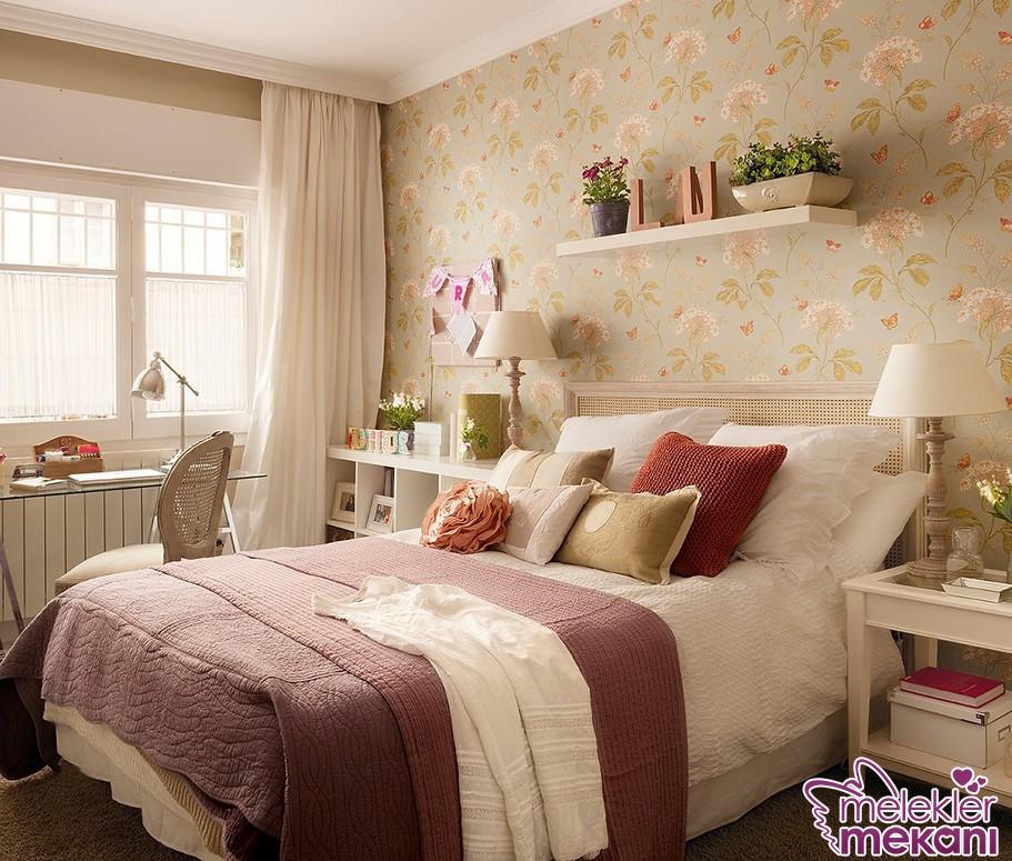 2016 yatak odası duvar kağıdı seçiminizde çiçekli modellerden faydalanarak nostaljik görünüm yakalayabilirsiniz.