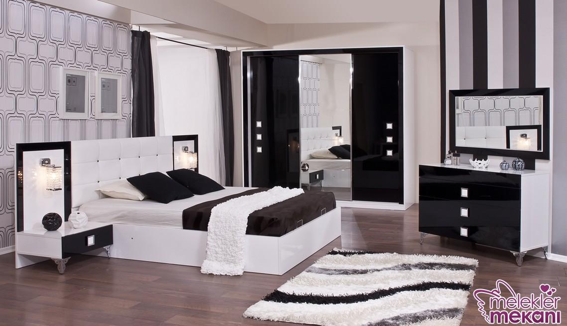Siyah beyaz yatak odası dekorasyonu ile yatak odalarınızda şık görünümler elde edebilirsiniz.