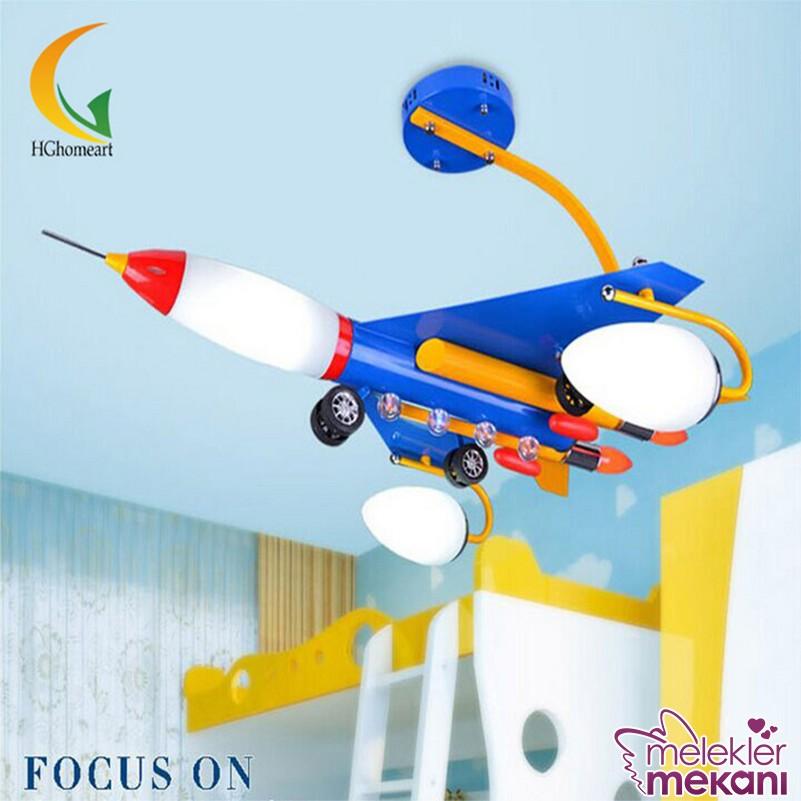 Bebek odası avize tercihinizde uçak figürlü modellere yer verebilirsiniz.